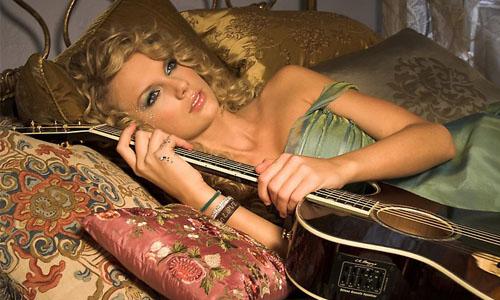 taylor-swift-teardrops-on-my-guitar