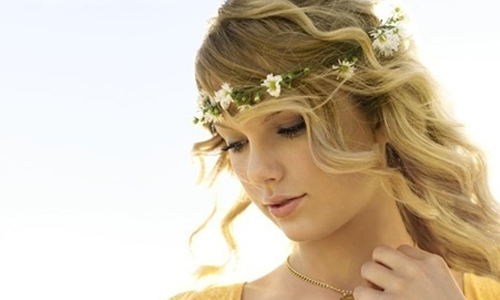 tied-together-with-a-smile-taylor-swift